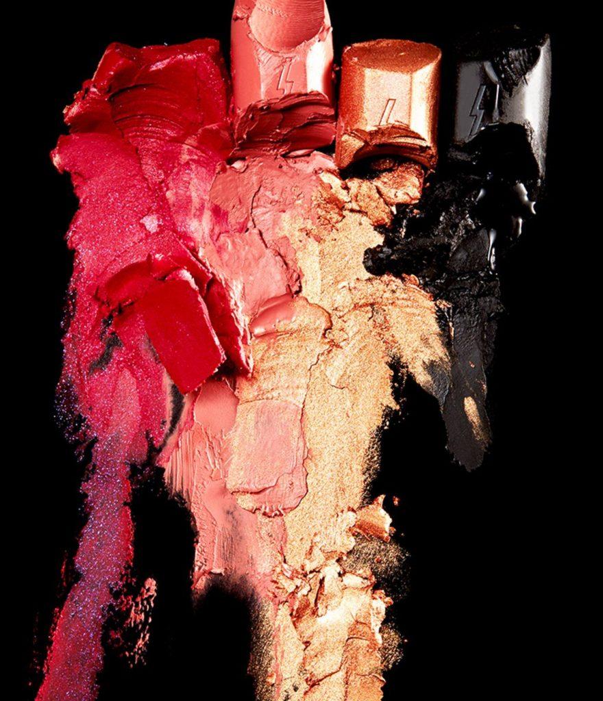 Pony effect velvet outfit lipstick