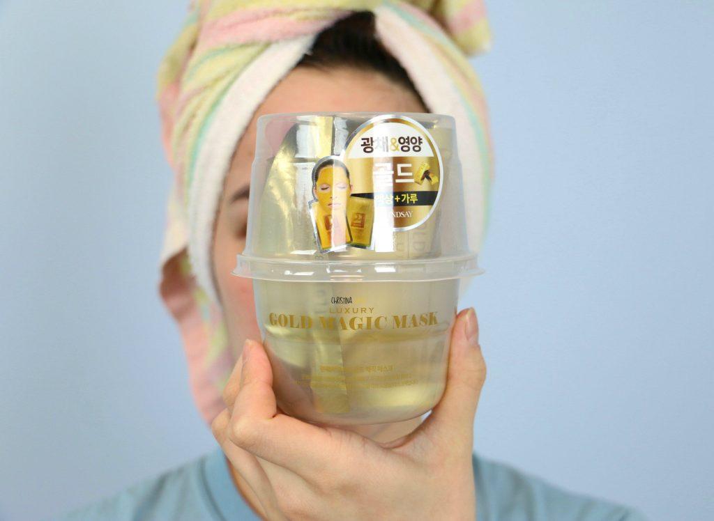 Lindsay gold magic face mask